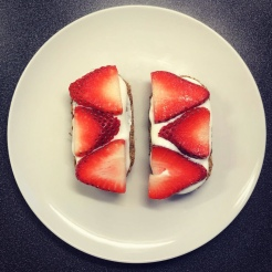 Strawberries Yoghurt Weetabix