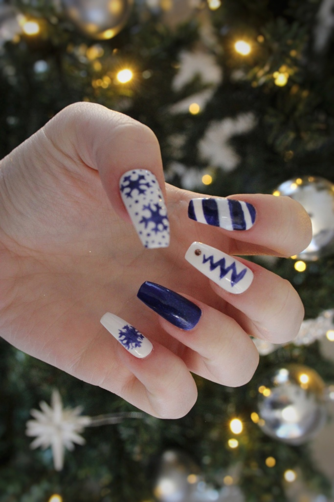 Blue Christmas Nails