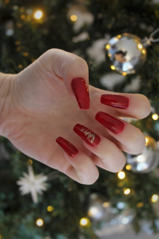 Red Christmas Nails